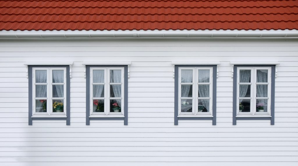 Comparing siding materials
